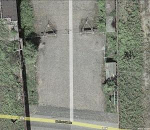Googlemaps von 2006 zeigt ähnliche Anordnung von Bauzäunen wie bei der Loveparade!