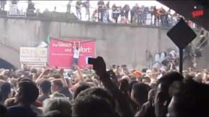 3. Absturz von der Plakatwand in einem Video von Bild.de (17:03:09 Uhr)