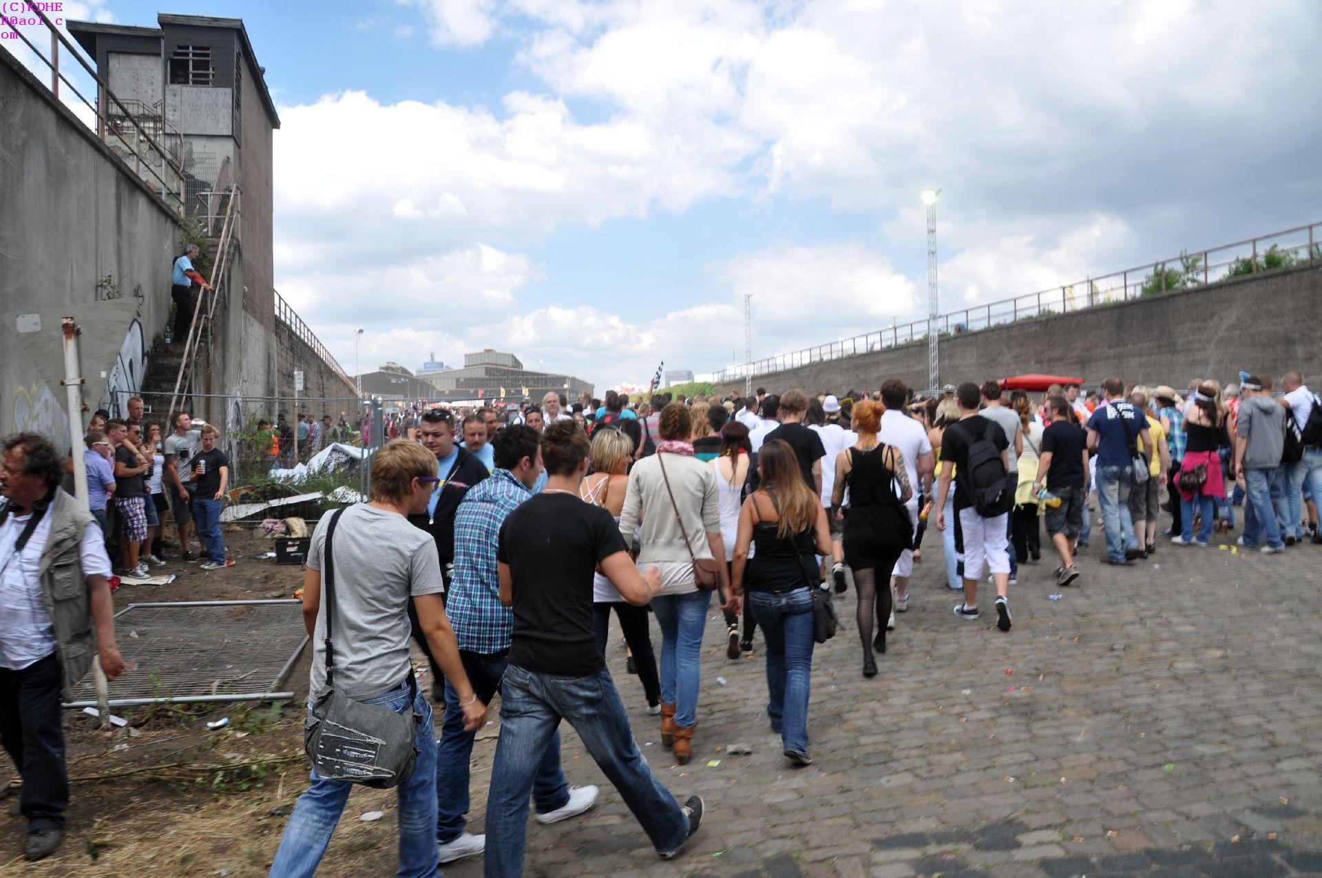 Zeitprotokoll « Dokumentation der Ereignisse zur Loveparade 2010 in ...